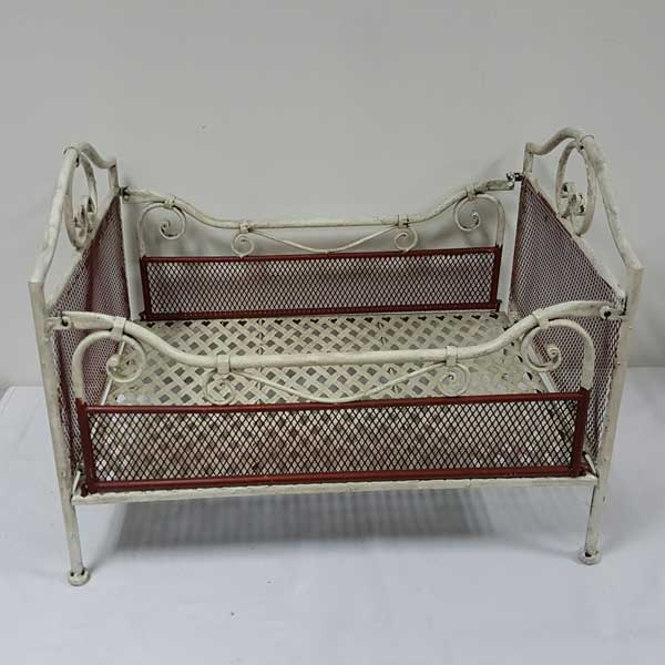 metal doll bed (1) - Baby photography props